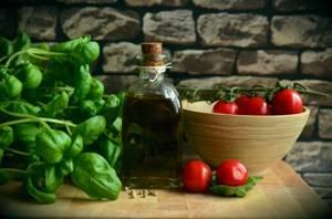 Почему горчит оливковое масло и повод ли это отправить его в мусорное ведро?