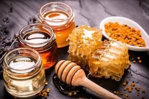 Мед от прыщей: решительная борьба природного медика