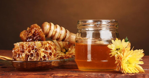 Калорийность меда: от чего зависит и много ли в ложке килокалорий?