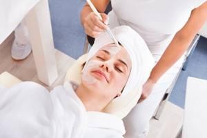 Маска из жимолости для лица и средства для здоровья волос