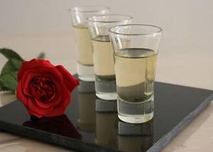 Шампанское из крыжовника в домашних условиях: классический и простой рецепты