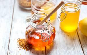 Маска для лица из меда – эффект омоложения в домашних условиях