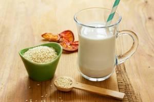 Кунжутное молоко: как приготовить в домашних условиях, какой кунжут лучше всего использовать – черный или белый