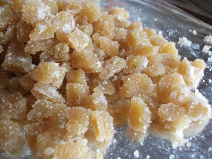 Имбирь в сахаре: польза и рецепты