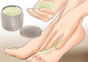 Как убрать натоптыши на ногах с помощью компрессов и ванночек?