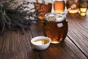 Полезные свойства меда из боярышника – показания к применению