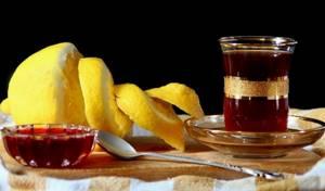 Чай с малиной – о пользе и правилах употребления целебного напитка
