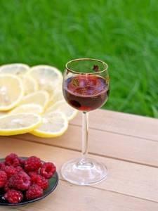 Вино из малины – подробные рецепты