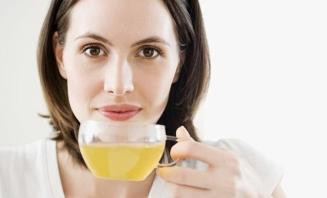Сок чистотела: как приготовить правильно в домашних условиях, заготовка и хранение, правила приема внутрь