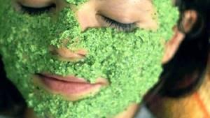 Петрушка от морщин вокруг глаз: готовим маски, крем, лед и отвары