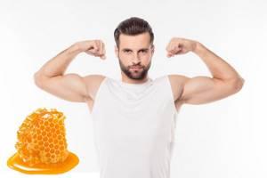 Польза меда для мужчин: природное решение многих проблем