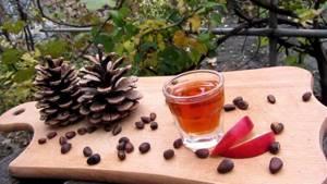 Настойка на кедровых орешках: лечебные эффекты и рецепт