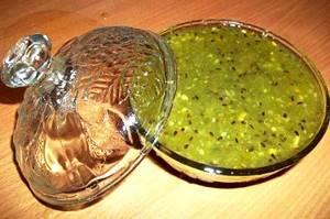 Аджика из крыжовника – необычный соус для мясных блюд